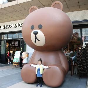 布朗熊玻璃钢雕塑卡通商场网红奶茶店雕塑
