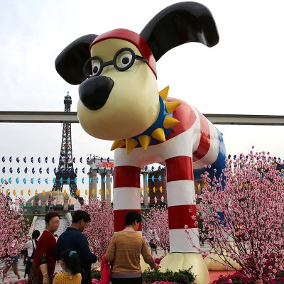 眼镜狗玻璃钢雕塑动物景观广场摆件