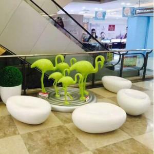 玻璃钢凹面鹅卵石坐凳美陈鹤雕塑组合