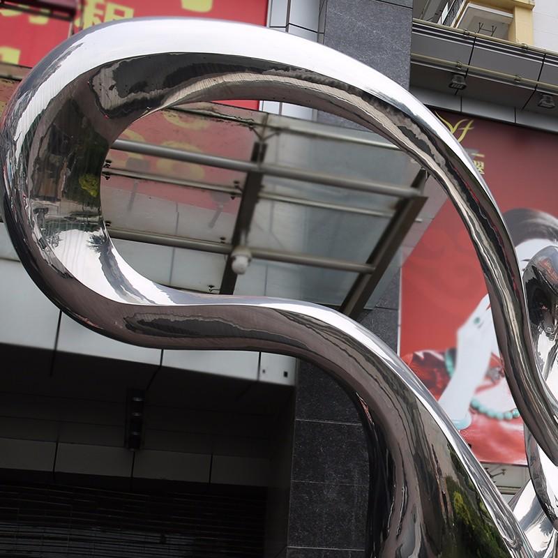 不锈钢雕塑原来可以用在这些地方,真的意想不到!