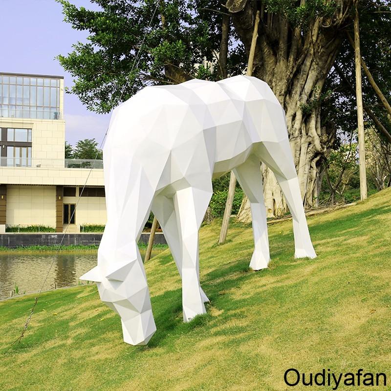 城市装饰设计不可缺少的-玻璃钢雕塑!