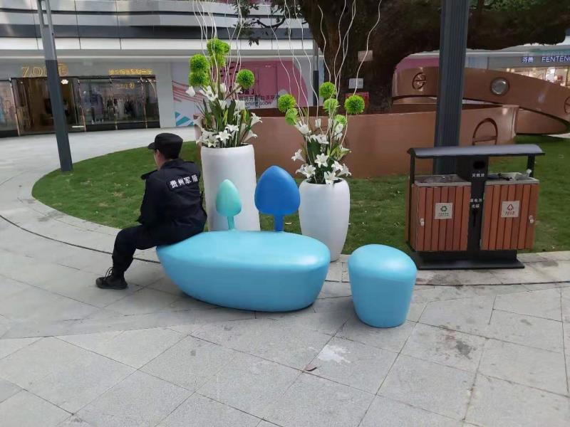 心形玻璃钢坐凳定制案例
