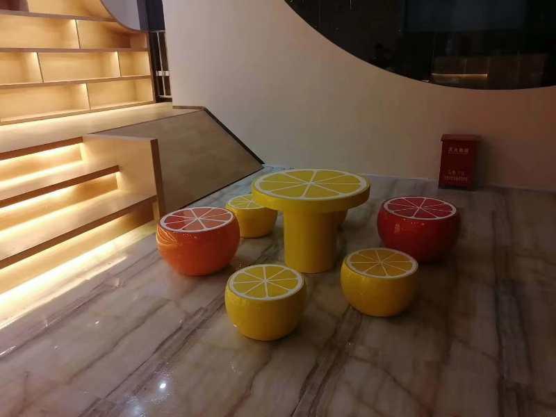 水果玻璃钢坐凳定制案例