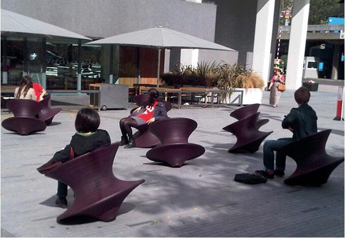 玻璃钢不倒翁陀螺椅子