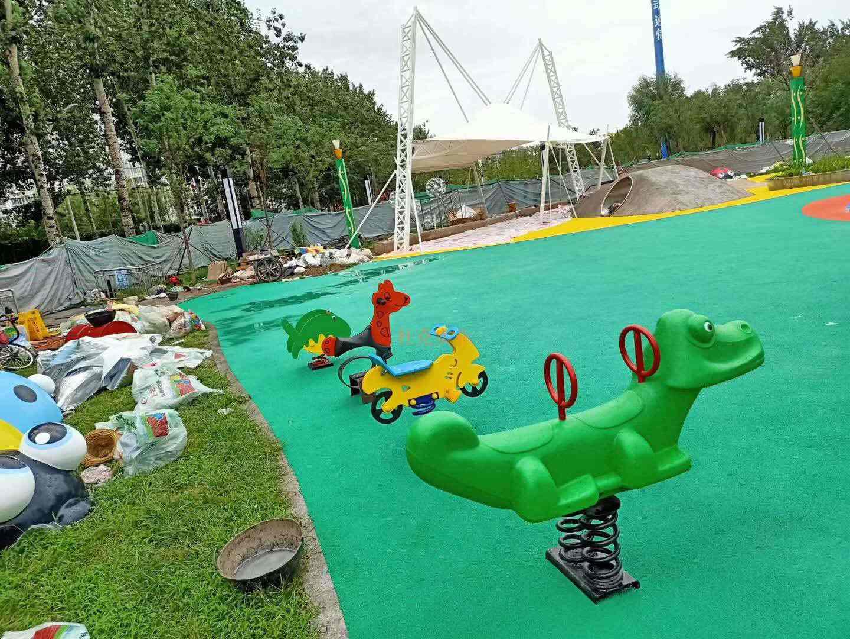 北京莲竹馨晴公园雕塑定制案例