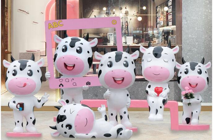 牛年雕塑,玻璃钢牛雕塑还是不锈钢牛雕塑更适合你!