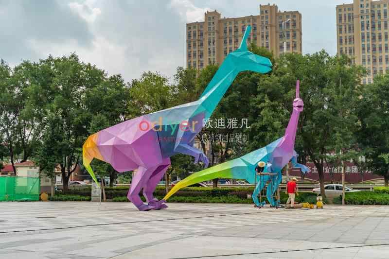 山东莱阳恐龙不锈钢雕塑定制案例